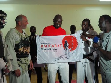 Remise du Drapeau de Nippon Kempo Baccarat au Sénégal